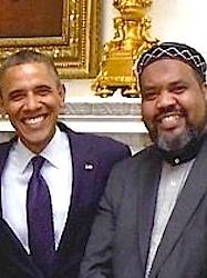 Mohammed Magid met een goede vriend. Bron facebook pagina ibtihajmuhammadusa. Geen fotograaf